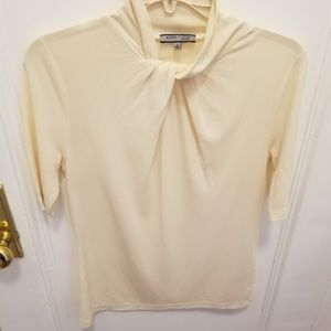 Anne Klein Cream Top Beautiful Neck Size Small